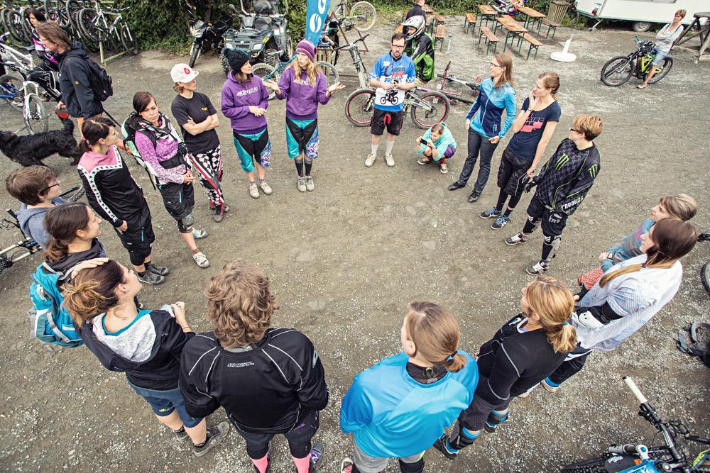 Lady Bikepark Camp Winterberg Fahrtechnik Riding Style Triberg Agentur Propain Bikes