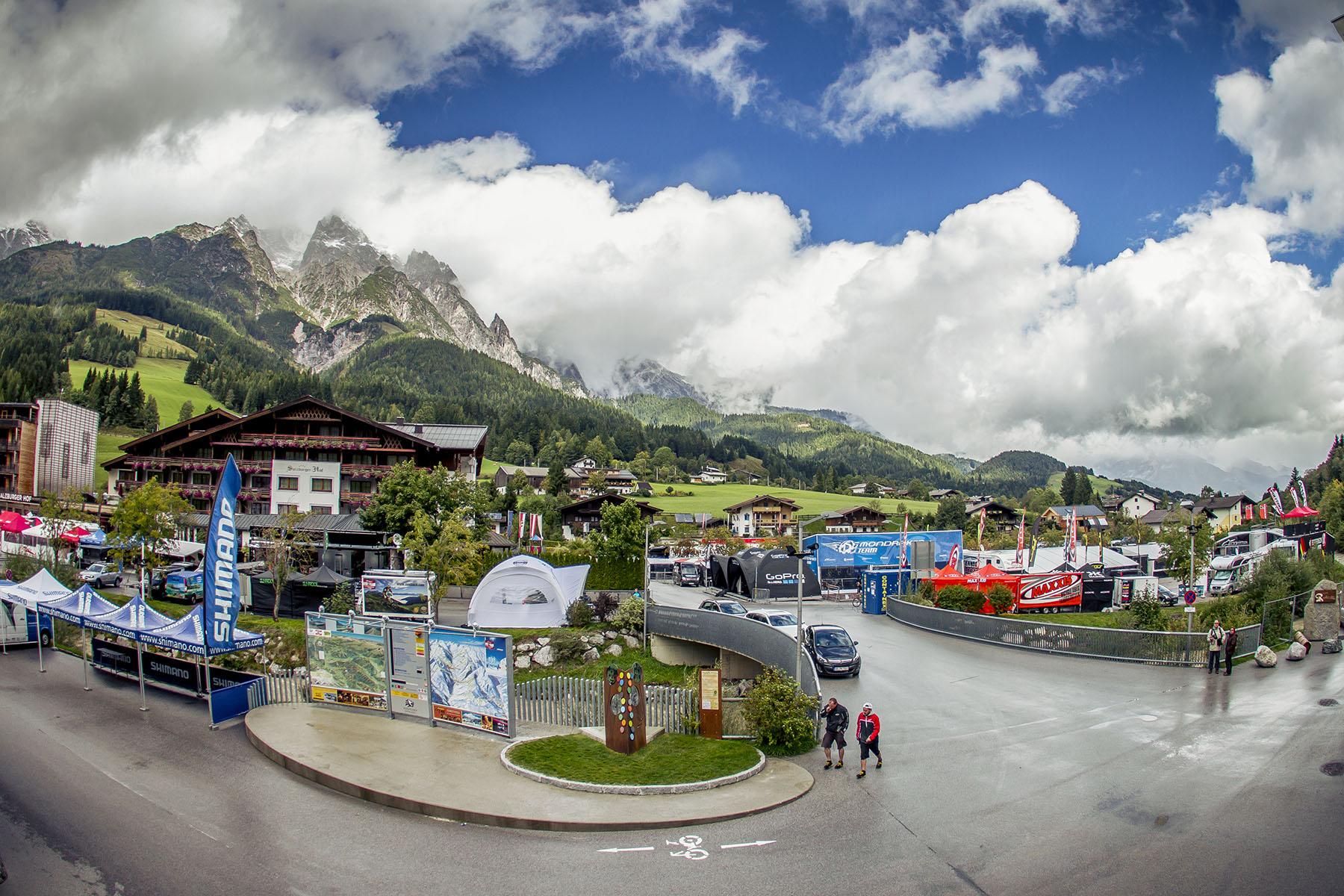 Eine harte Woche für alle Beteiligten: Von Norwegen nach Österreich in 20 Stunden und alles wieder aufbauen für eine weitere Woche Racing! Die Ende der Saison naht.
