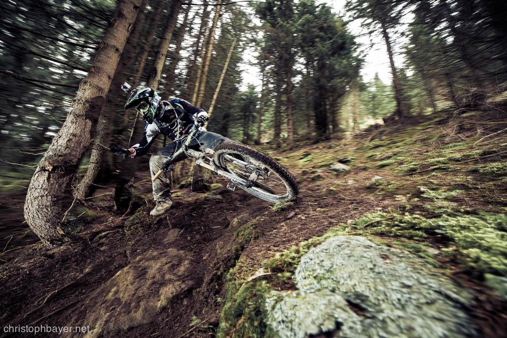 Rutschige Trails machten es den Fahrern nicht gerade einfach  ©christophbayer.net