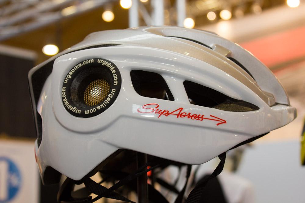 Urge Supacross-Helm sorgt für eine sehr gute Venitlation