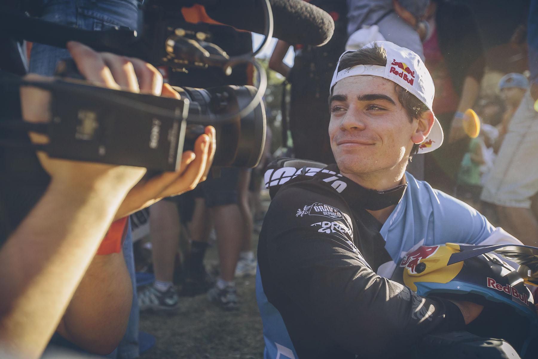 Im Herzen vielleicht etwas enttäuscht, im Gesicht allerdings erfreut über seinen vierten Platz. Loic Bruni will endlich mal einen Sieg einfahren!