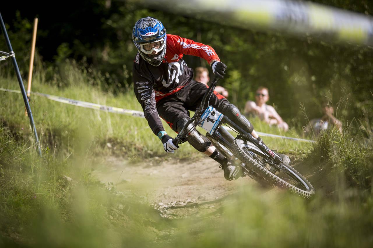 iXS European Downhill Cup Sam Blenkinsop ©Roland Haschka