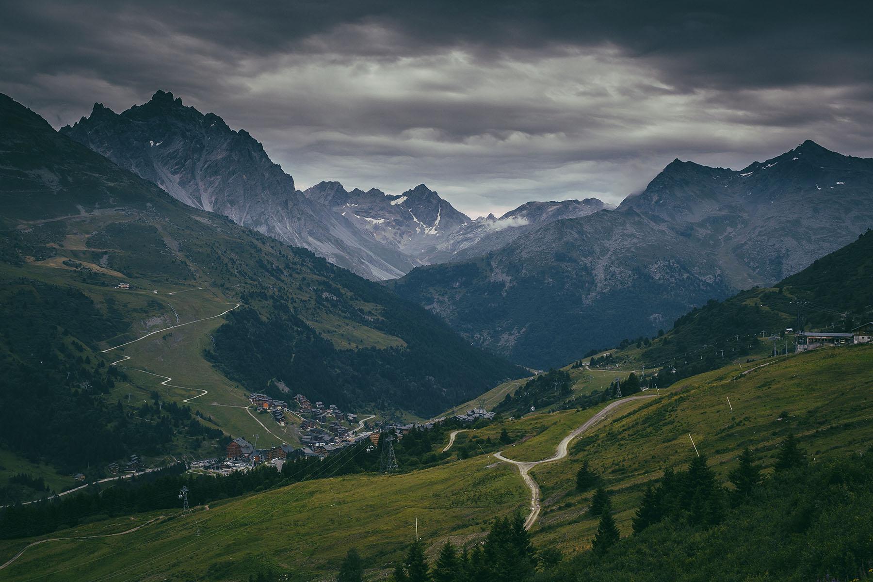 Eines der populärsten Skigebiete Europas - Méribel liegt auf 1.400 m im französischen Tarentaise Tal