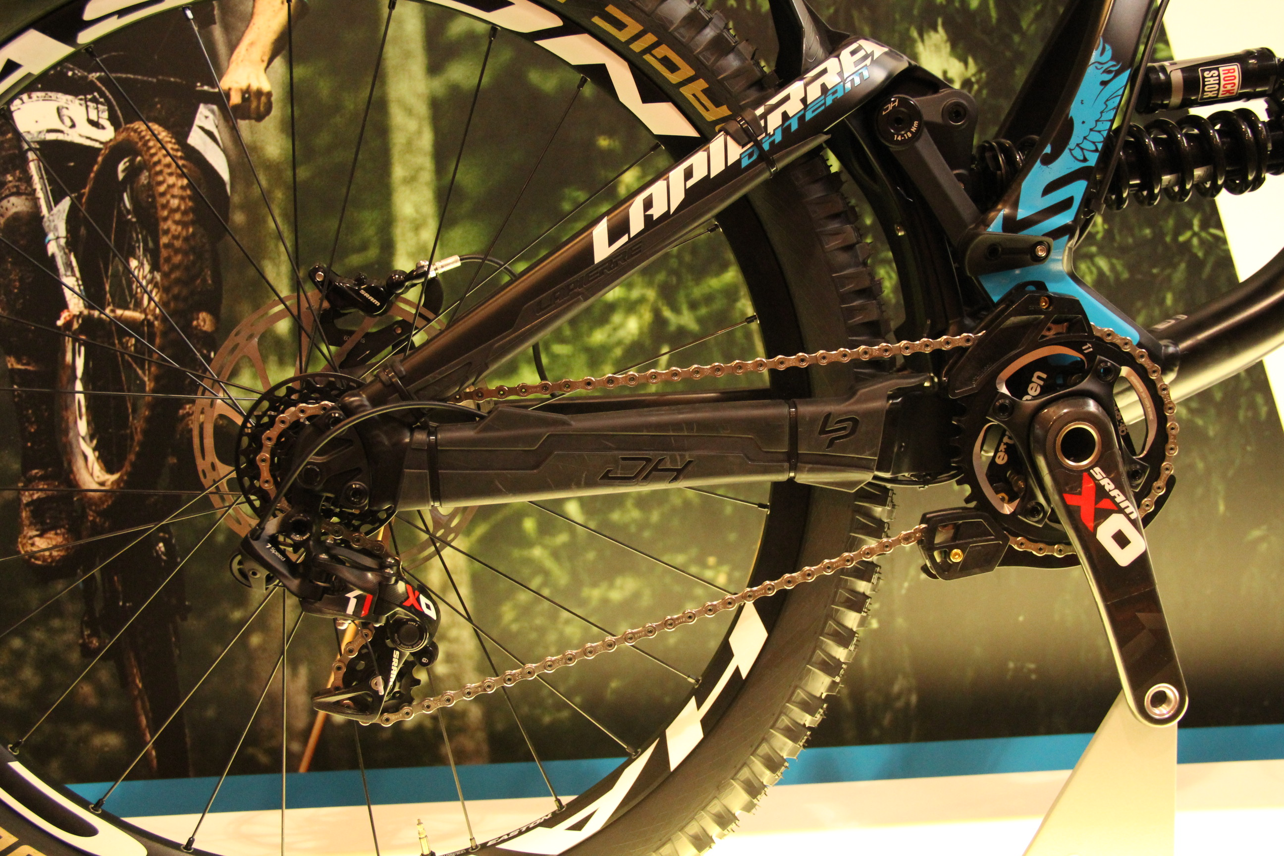 La Pierre DH Team mit SRAM X01 DH Short Cage 7-speed