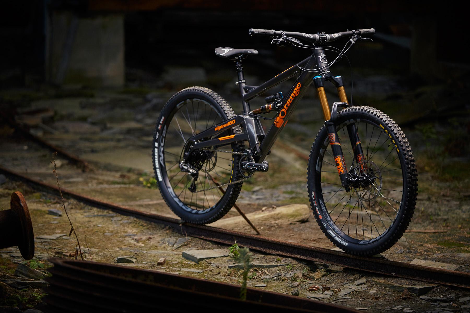 _MG_2052 Orange Alpine 160 Factory