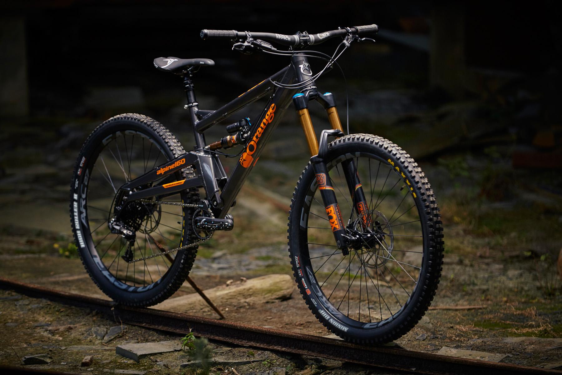 _MG_2054 Orange Alpine 160 Factory
