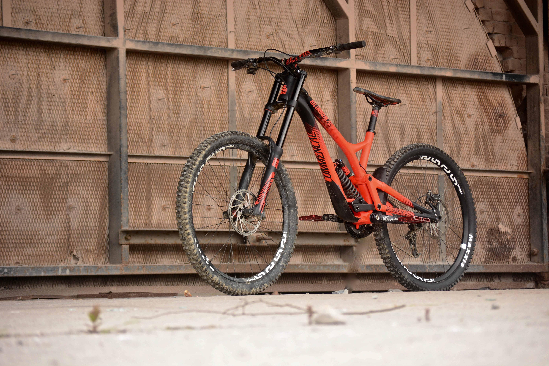 Die besten Downhill Bikes zum Freeriden! - Dirt Maga...