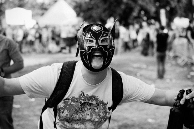 Wieso verkaufen die hier Wrestlingmasken und wieso kaufen Leute die auch noch?