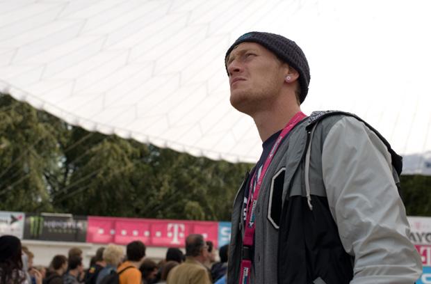 Benny Paulsen kommentierte einmal mehr die Telekom Extreme Playgrounds für VIVA und fand in den Werbepausen sogar noch Zeit, die Rampe zu fegen