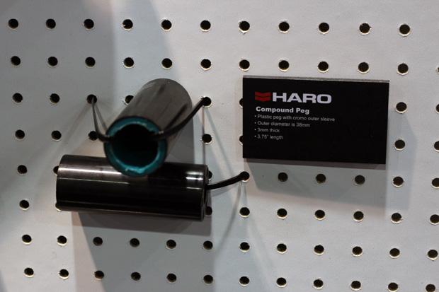 Haro dreht den Spieß einfach mal um und setzt auf Plastikpegs mit Chromoly-Ummantelung