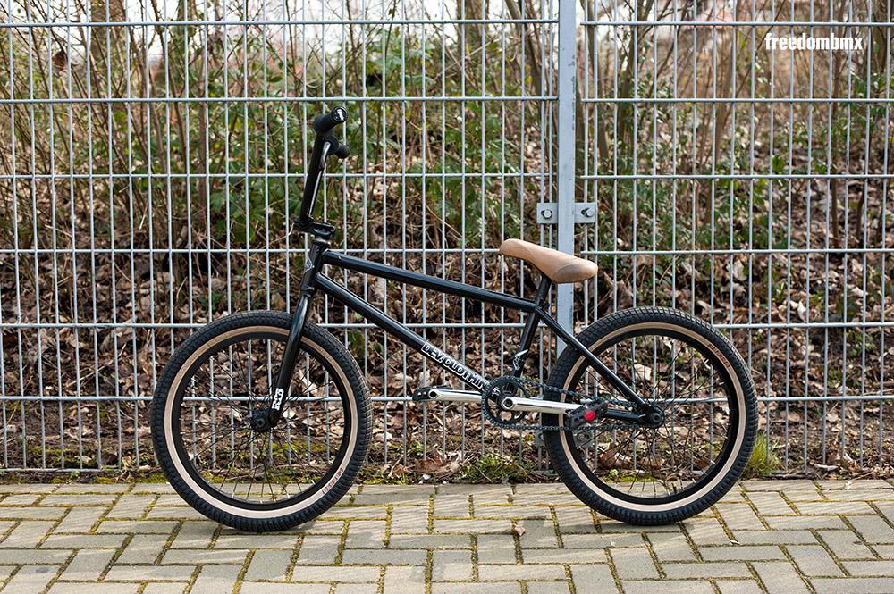 Rob-Ferrett-Bikecheck-01