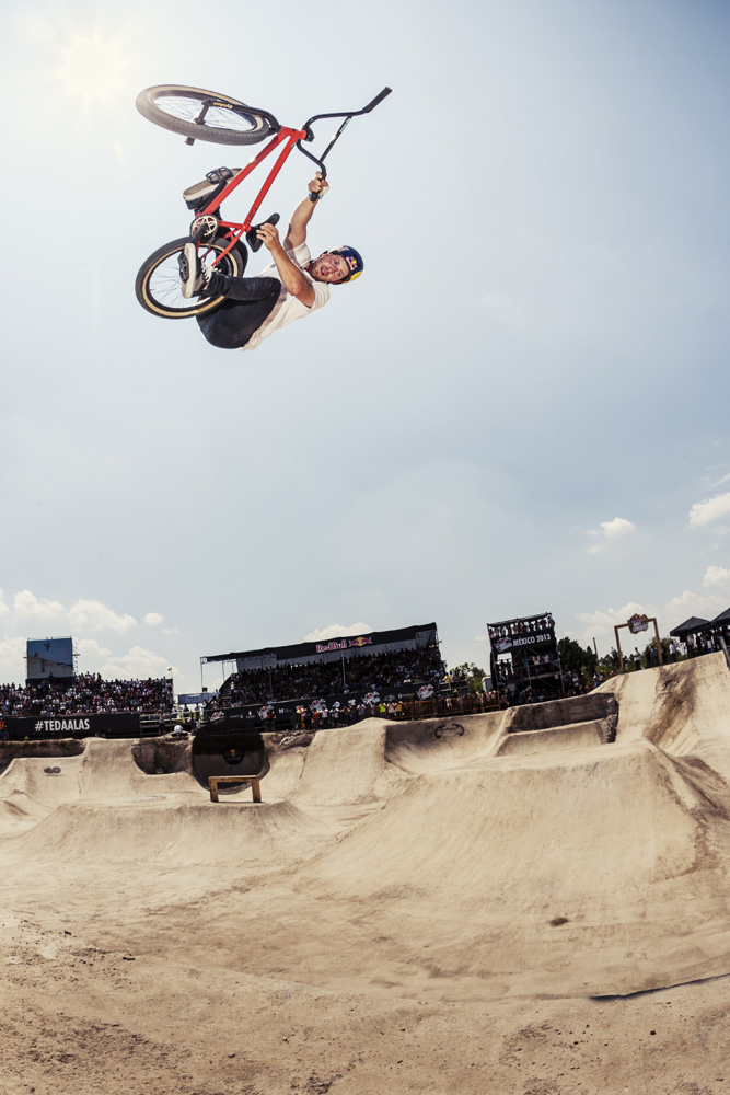 Sergio-Layos-Red-Bull-Dirt-Conquers
