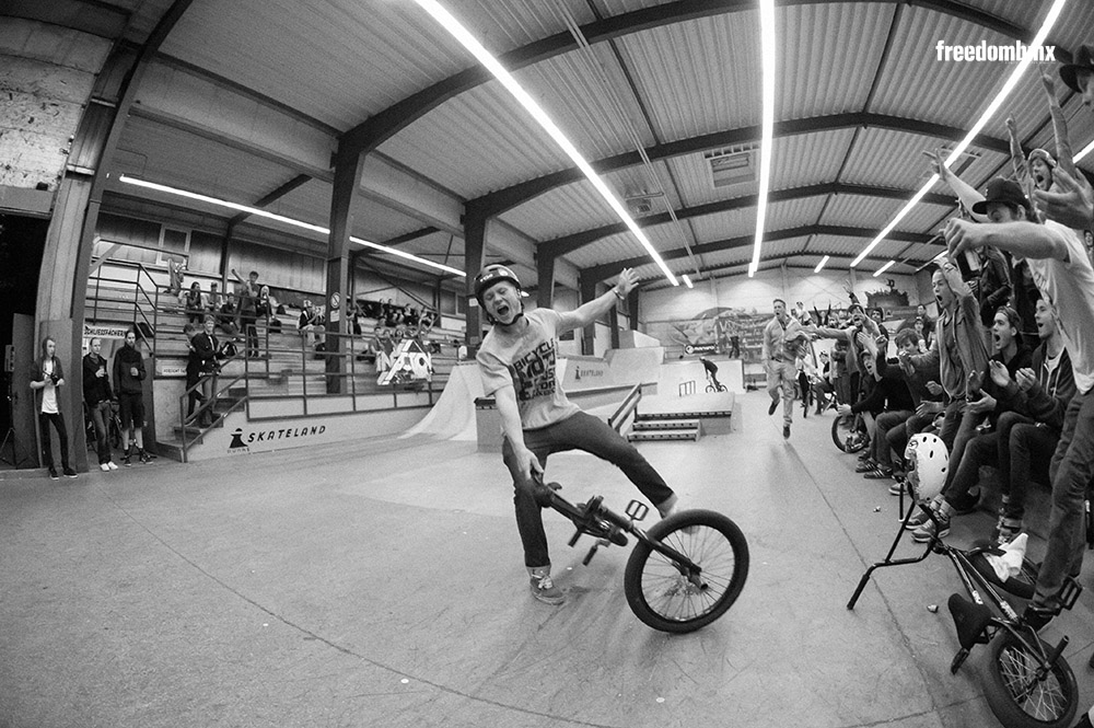 Felix Stinshoff auf dem We don't care BMX-Contest in der iPunkt-Halle in Hamburg