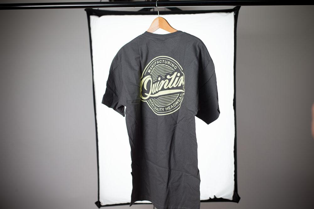 Quintin T-Shirt mit Design in Erinnerung an alte Zeiten.