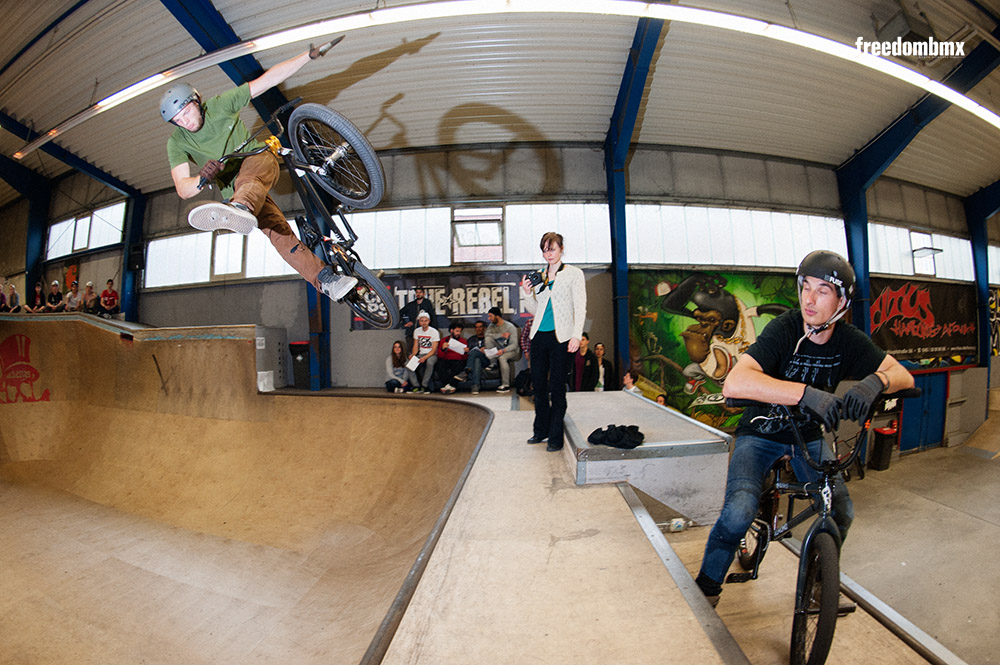 Timothy Pesth auf dem We don't care BMX-Contest in der iPunkt-Halle in Hamburg