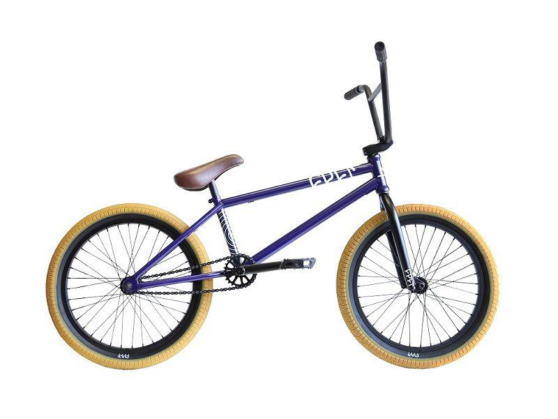 Alles Chromoly, alles Cult, alles gut: Alex Kennedys Signaturerad von Cult ist ebenso bunt wie hochwertig. Gewicht: 11,5 kg, Preis: 579,95