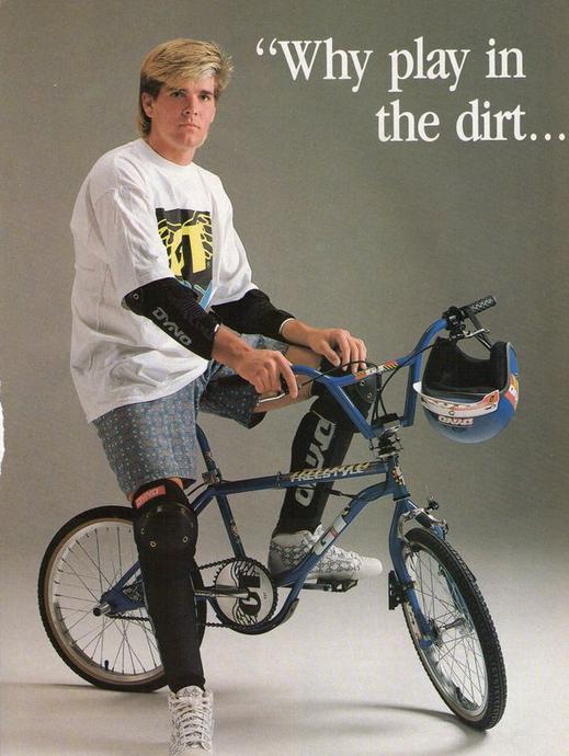 Angesichts der großen Konkurrenz ließ man sich bei GT, dem damaligen Marktführer, natürlich nicht lange bitten und präsentierte 1990 den Aggressor mit eingebautem Bashguard.