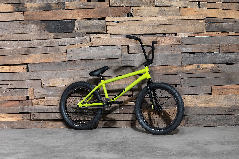 Sunday Bikes 2017 Aaron Ross Forecaster hat einen Freecoaster, Aarons Signaturesattel und die Pursuit-Reifen von Odyssey an Bord