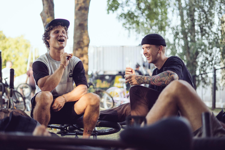 Während der Rest der deutschen Reisetruppe gerade seinen Rausch ausschläft haben Mati Lagoisty und Felix Prangenberg Zeit sich am Leben zu erfreuen