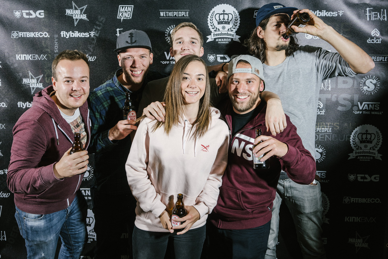 Die Sportpiraten freuten sich nicht nur darüber, dass sie eine verhältnismäßig kurze Anreise hatten, sondern auch darüber, Lara Lessmann wiederzusehen, die bekanntlich im Schlachthof-Skatepark groß geworden ist, mittlerweile aber in Berlin lebt