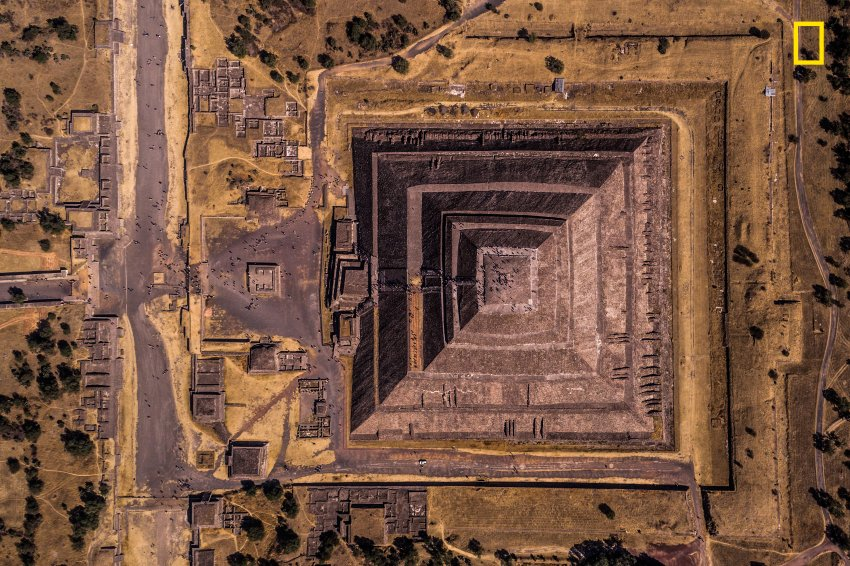 Zweiter Platz, Kategorie Städte: Sonnenpyramide von Teotihuacán in Mexiko || Foto: Enrico Pescantini/ National Geographic Travel Photographer of the Year Contest