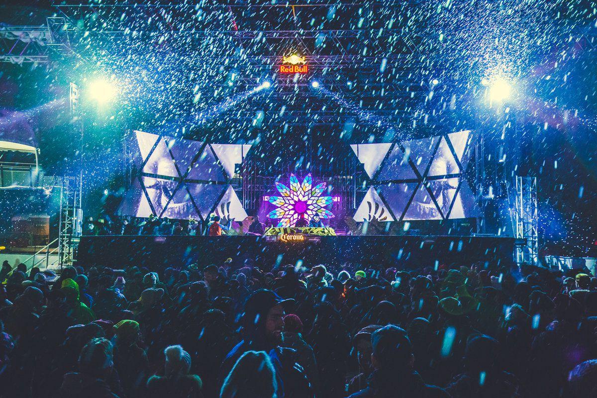 Rave on Snow credit: Tobi Stoffels Neon Photography