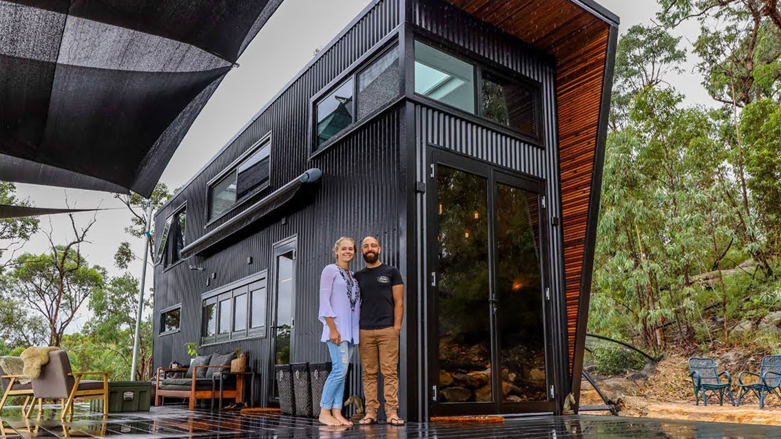 DIY: Rundgang durch modernes Tiny House in den Blue Mountains