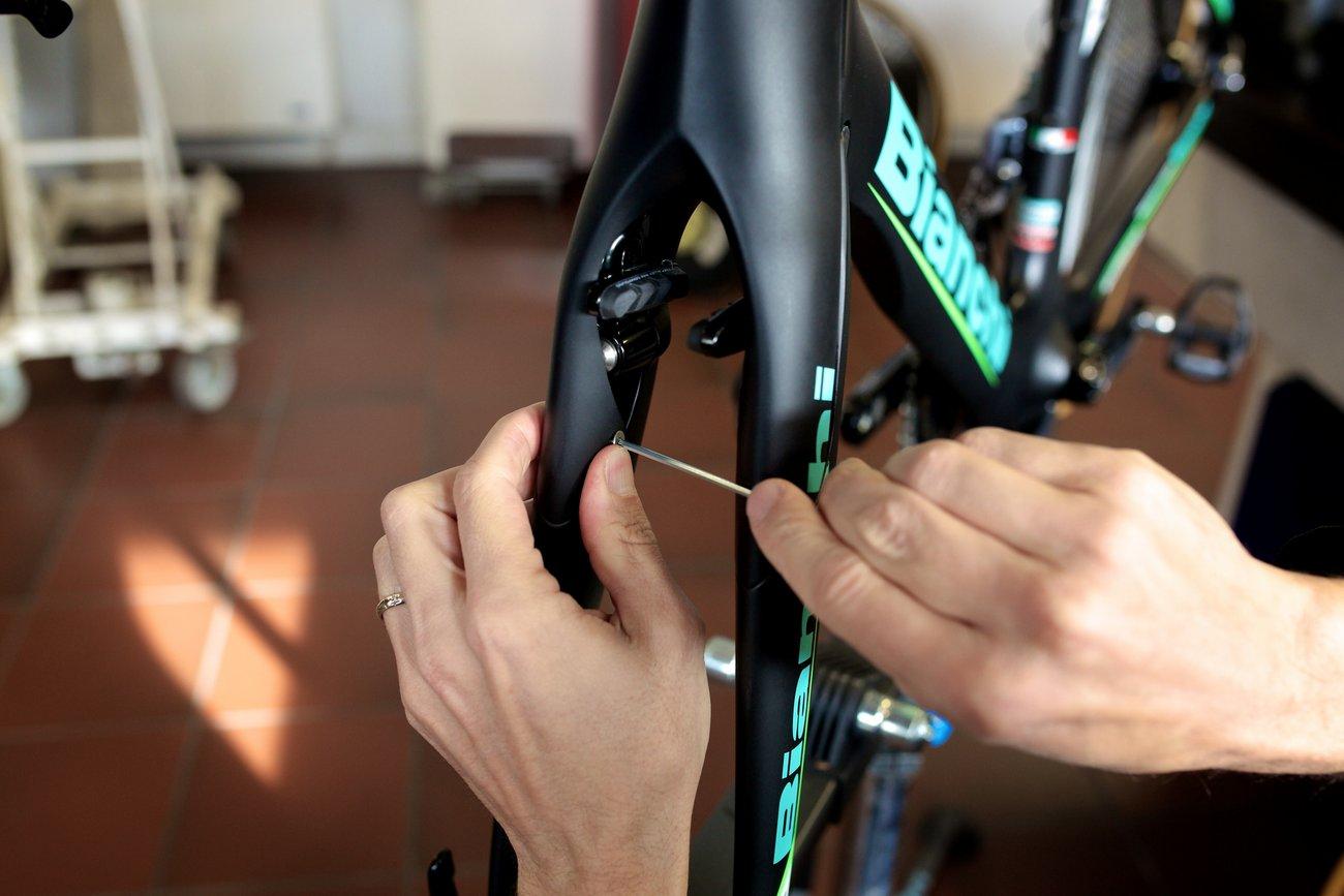 Im Bianchi Aquila CV trefft Aerodynamik auf Komfort. (Bianchi)
