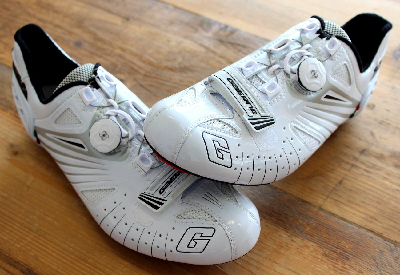 Dank gepolsterter Zunge und guter Passform sollen die Schuhe gut sitzen.