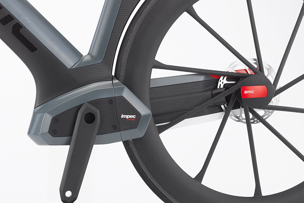 An internal gearbox (or electric motor, but we don't like that idea) would require very little maintenance while also improving aerodynamics. Disc brakes are used, and the frame itself includes channels to direct air for cooling the calipers and rotors, similar to high-end sports cars. Photo: BMC