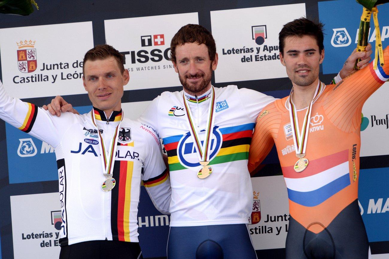 Bradley Wiggins, Tony Martin und Tom Dumoulin belegen die drei ersten Plätze der Zeitfahrweltmeisterschaft. (Foto: Sirotti)