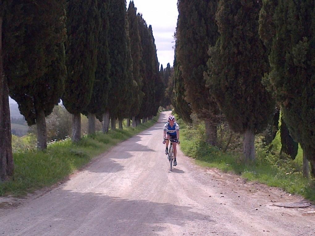 Die vielen landschaftlich eindrucksvollen Orte in der Toskana machen die Zeit im Sattel zu einem Erlebnis.