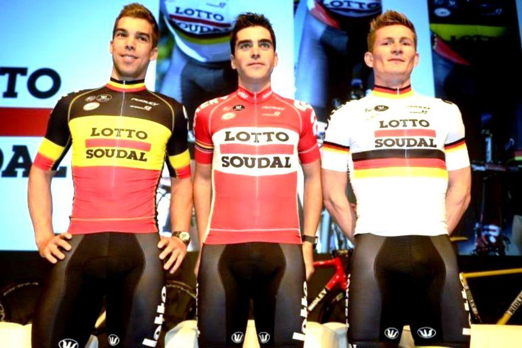 Die Fahrer des belgischen Teams, Lotto-Soudal, streifen sich auch 2015 wieder ihre stylischen Retro-Look-Trikots über. (Foto: Lotto-Soudal)