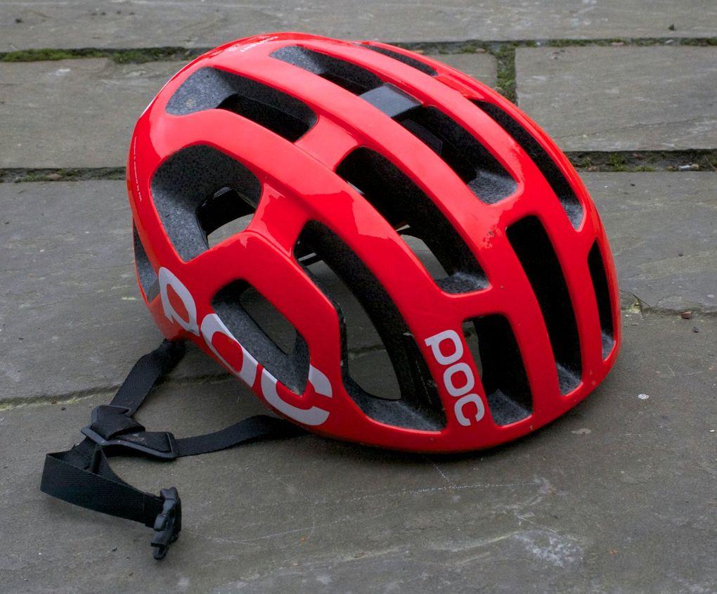 Der POC Octal Helm bietet dem Fahrer eine Kombination der wichtigsten Eigenschaften.