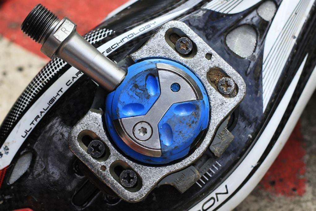 Der Mechanismus für das Speedplay-Pedal-System befindet sich in den Cleats.