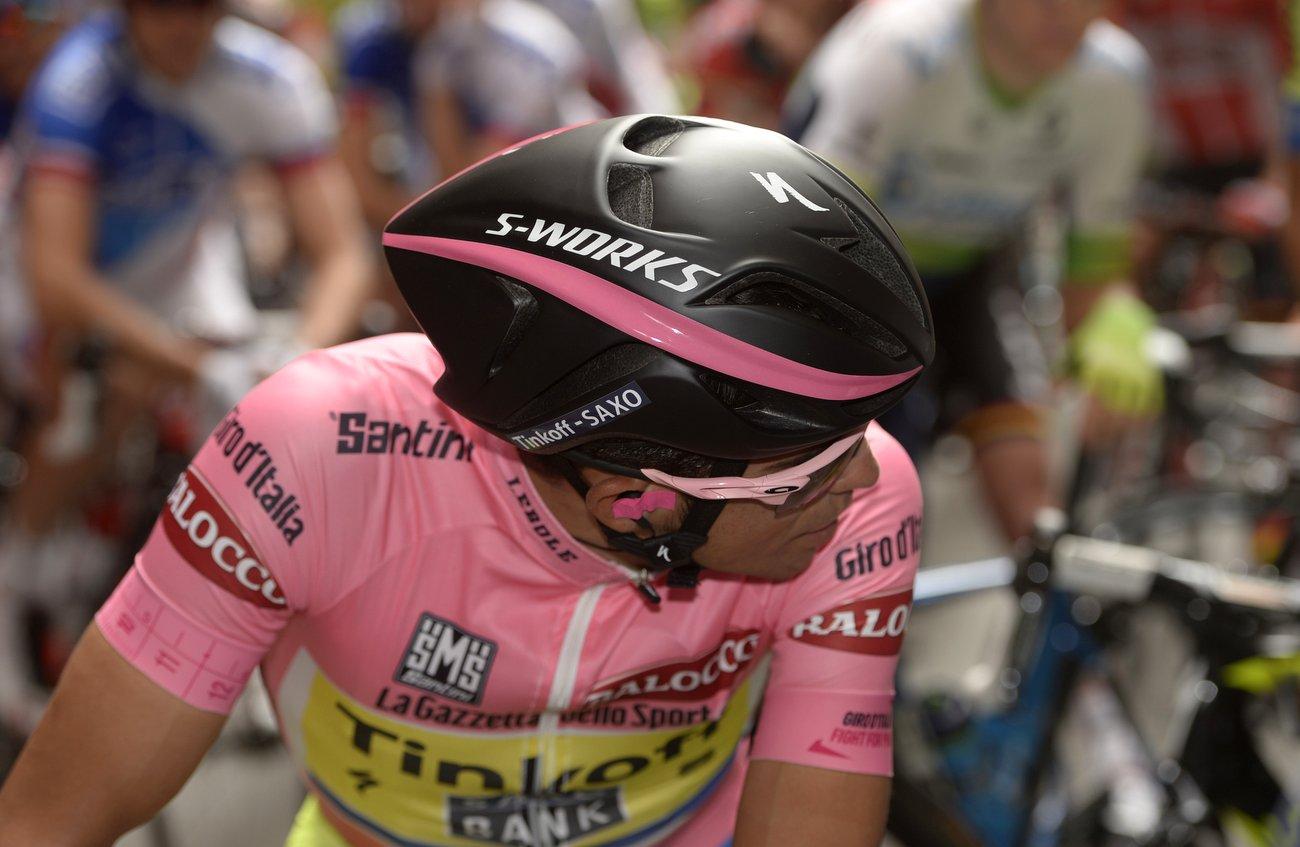 Alberto Contador beim Giro d'Italia mit dem Evade von Specialized, einem Aero-Helm. (Pic: Sirotti)