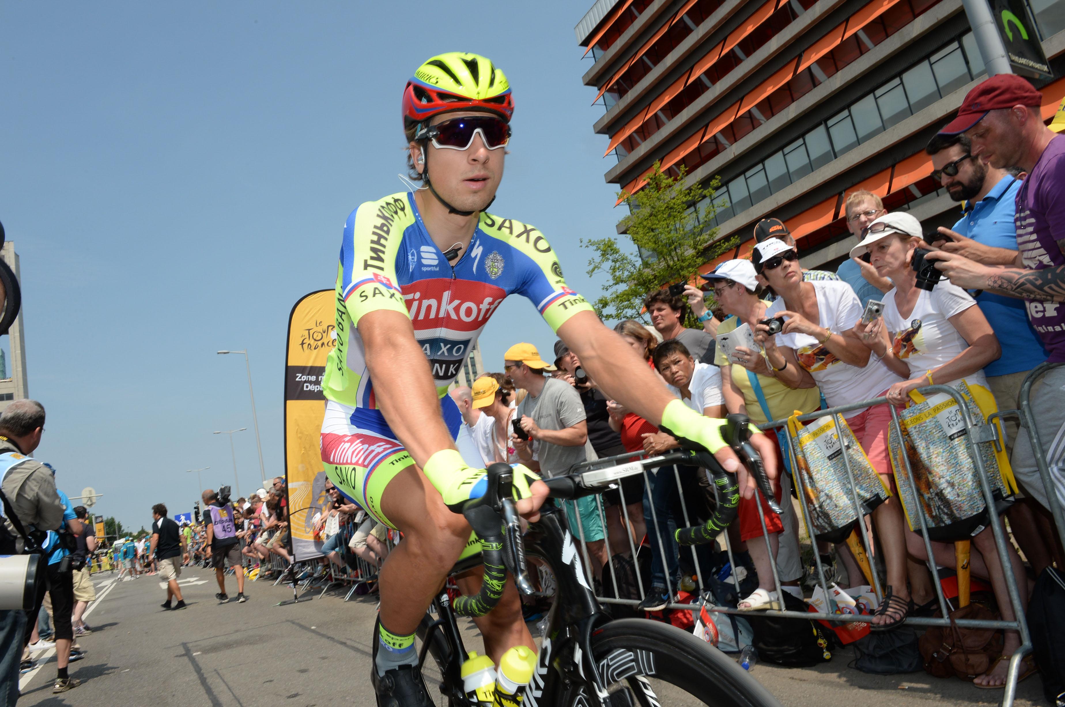 Peter Sagan schloss die zweite Etappe der Tour de France 2015 mit dem zweiten Platz ab. Tolle Teamleistung!