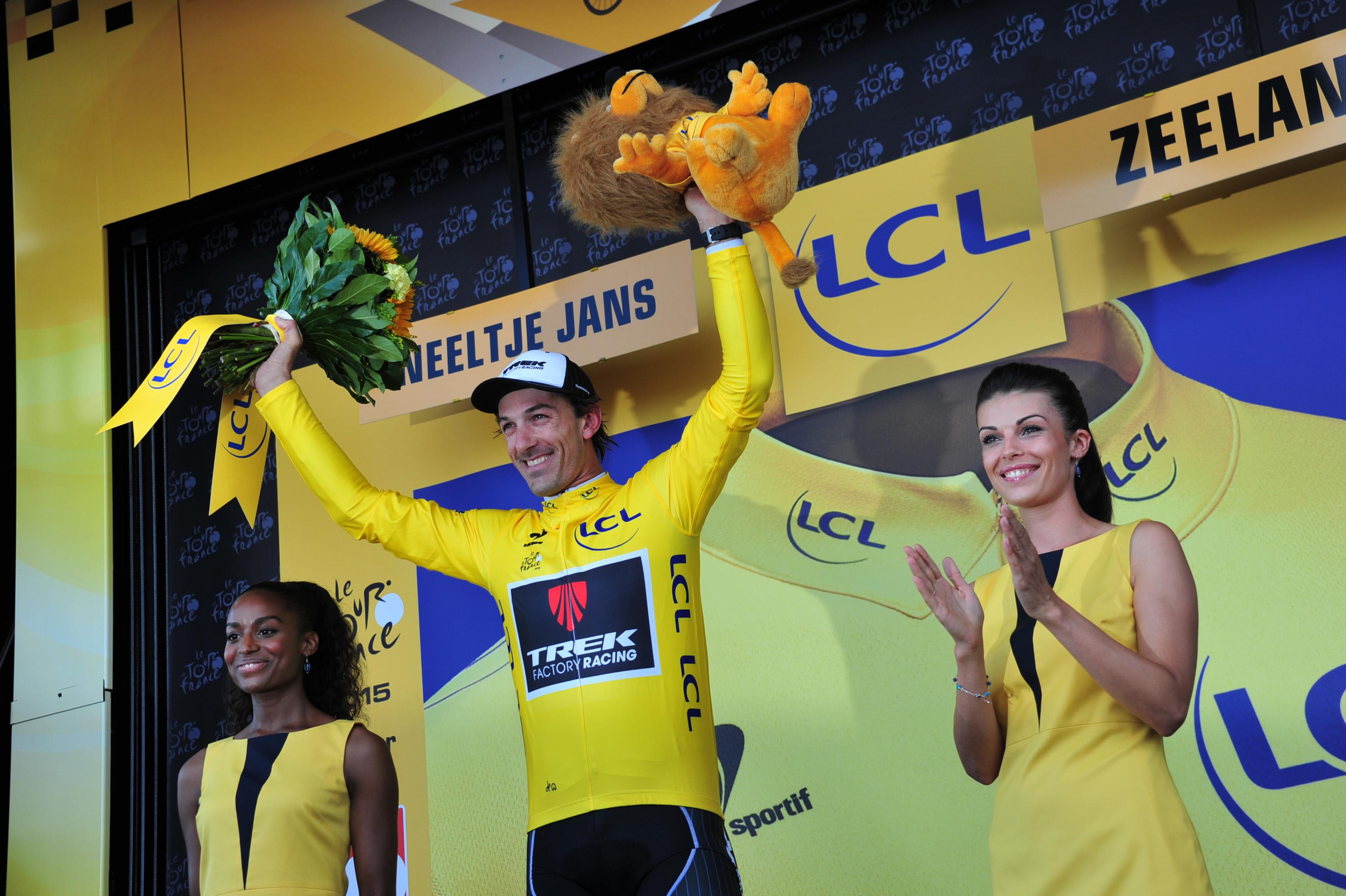 Fabian Cancellara im Gelben Trikot nach der 2. Etappe der Tour de France 2015.