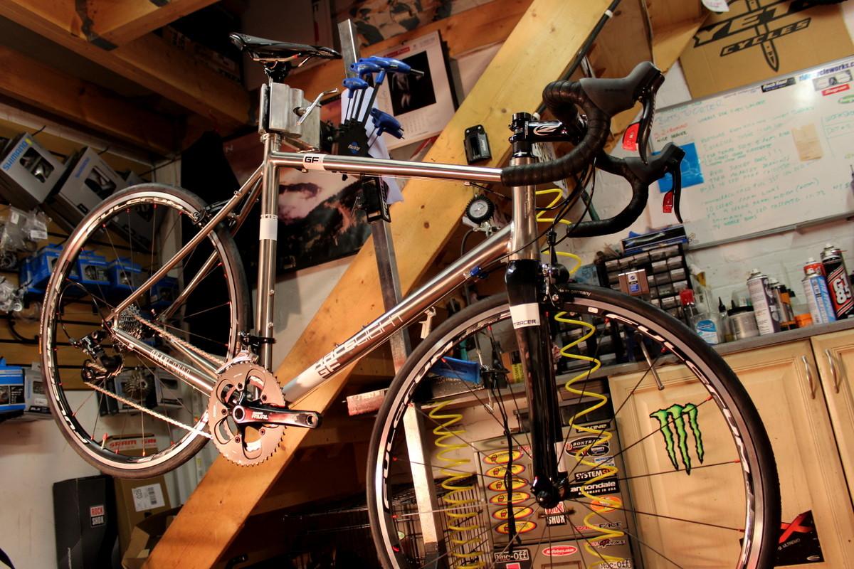 Ein Fahrrad selbst aufzubauen ist eine spannende, lehrreiche und sehr befriedigende Angelegenheit.