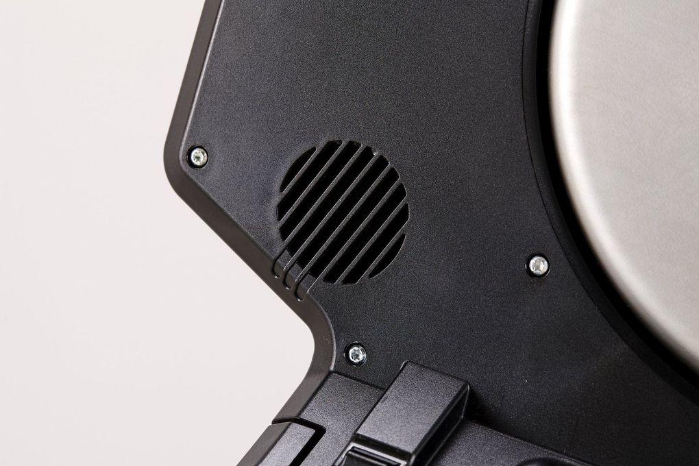 Tacx Neo Smart – der neue Indoor-Trainer aus den Niederlanden: geräuscharmes Pedalieren