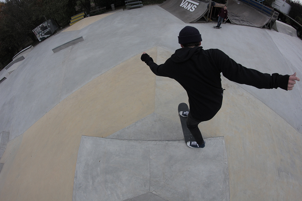 Oli Tielsch – Backside Tailslide