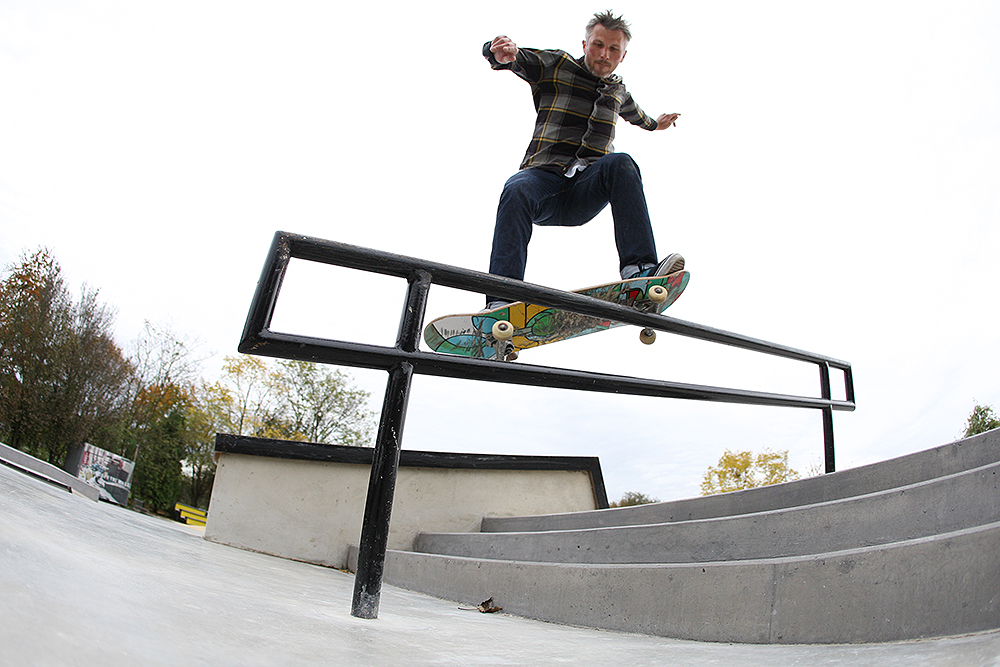 Robert Hallor – Smith Grind