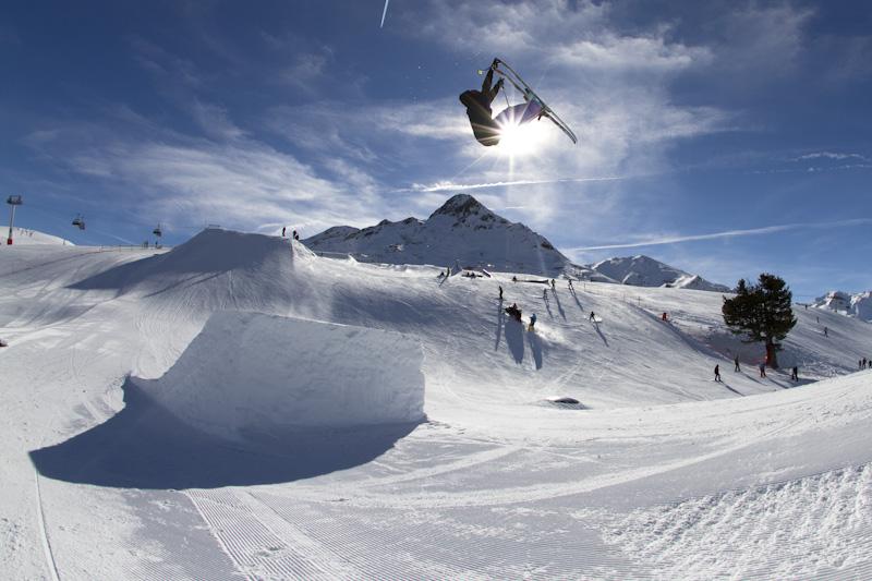 Fabian_Braitsch_Snowpark_Schoeneben_by_Roland_Haschka_QParks_078