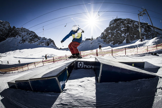 Dachstein_17-11-2012_action_fs_unknown_rider_Roland_Haschka_QParks_33