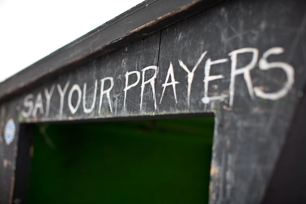 Ein letztes Gebet, bevor es auf den Highway to Hell geht...