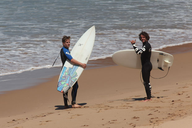 Ready to surf! Mat Bumann und Markus