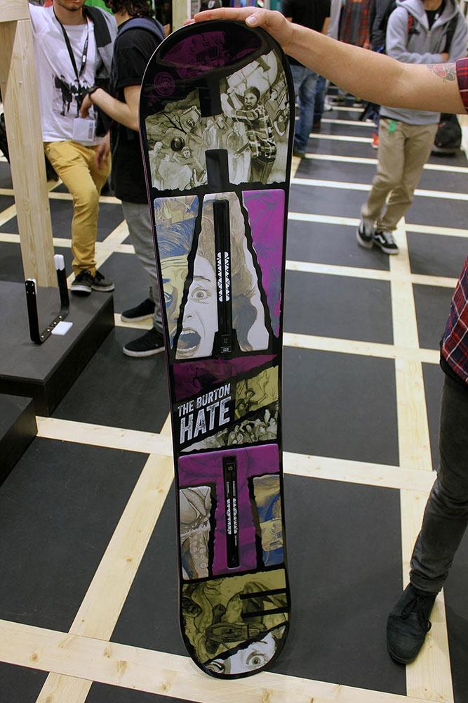 Beim Hate kommt ein neuartiges Fiberglas zum Einsatz, das es ermöglicht, das Board 40% dünner als herkömmliche Snowboards zu bauen.