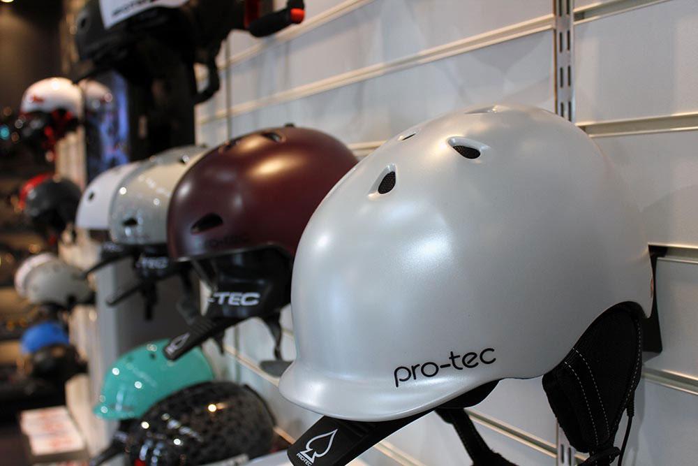 Auch bei pro-tec gab's neue Helme zu bestaunen.