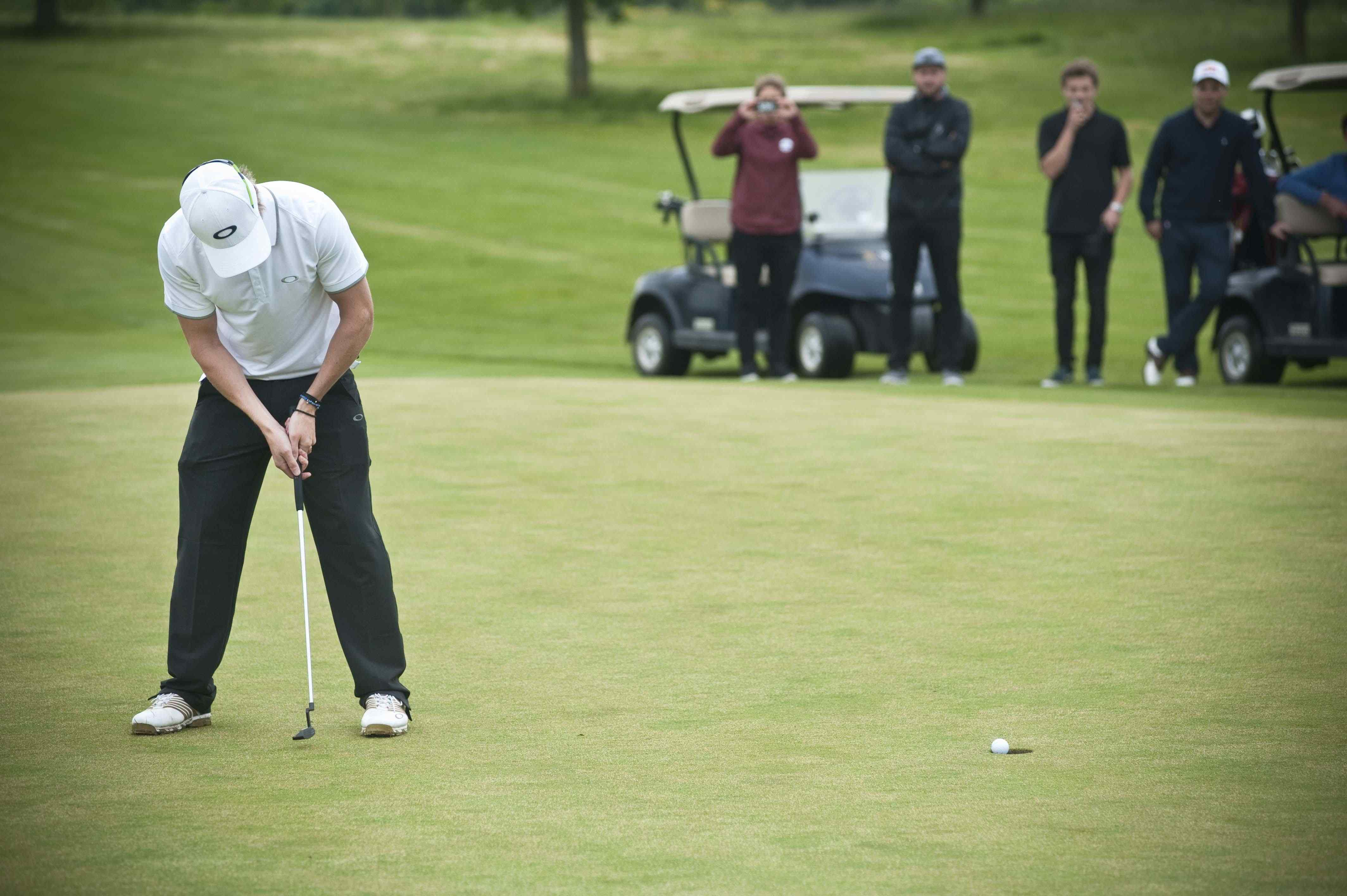 Oakley_KING_of_GREENS_2014_Ben Kilner_winning shot