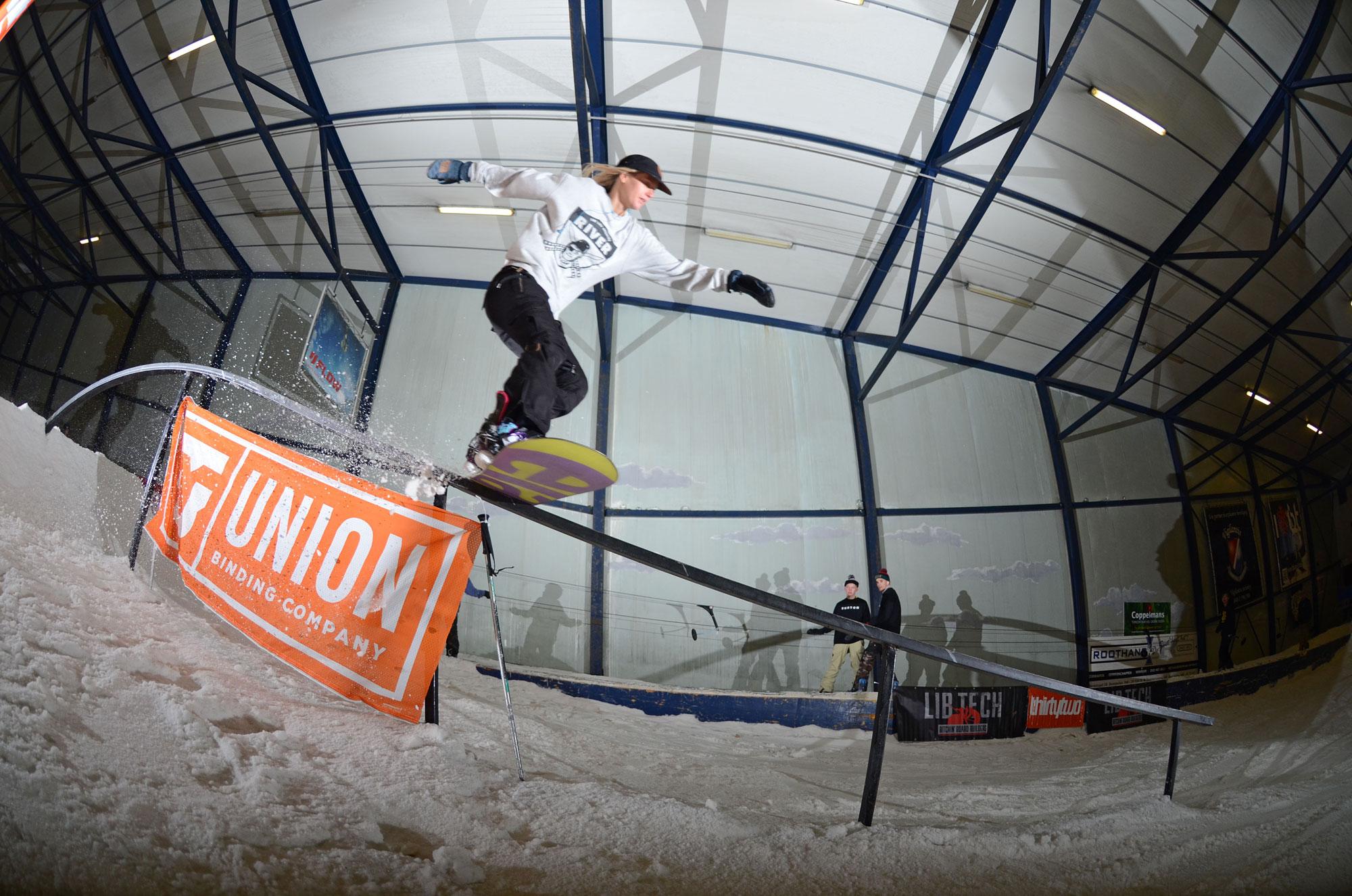 Veroniqui Hanssen. Boardslide. Photo: Jascha vd Wijden